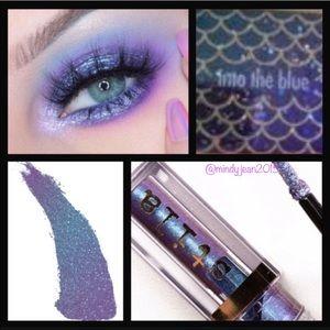 Stila Glitter&Glow liquid eyeshadow INTO THE BLUE